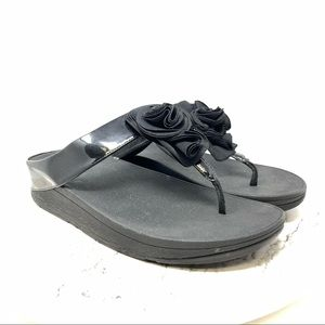 FitFlop Florrie Toe post patent thong sandal 10